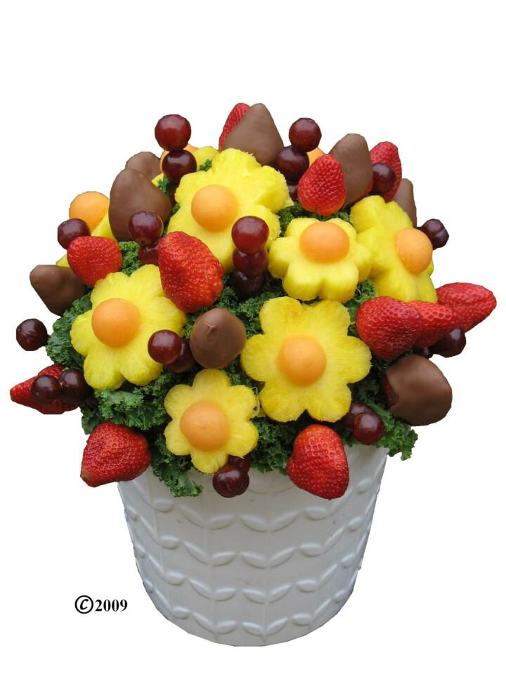 How-to-make-a-fruit-bouquet-video